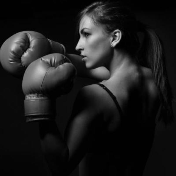 MUAY THAI SCHOOLE 92 COURS FEMME